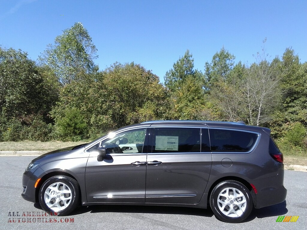 2018 Pacifica Touring L - Granite Crystal Metallic / Cognac/Alloy/Toffee photo #1