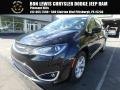 Chrysler Pacifica Touring L Plus Brilliant Black Crystal Pearl photo #1