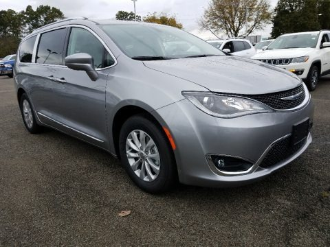Billet Silver Metallic 2018 Chrysler Pacifica Touring L