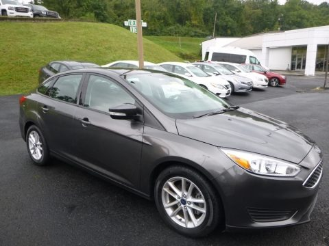 Stealth Gray 2016 Ford Focus SE Sedan