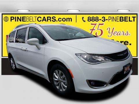 Bright White 2018 Chrysler Pacifica Touring L Plus