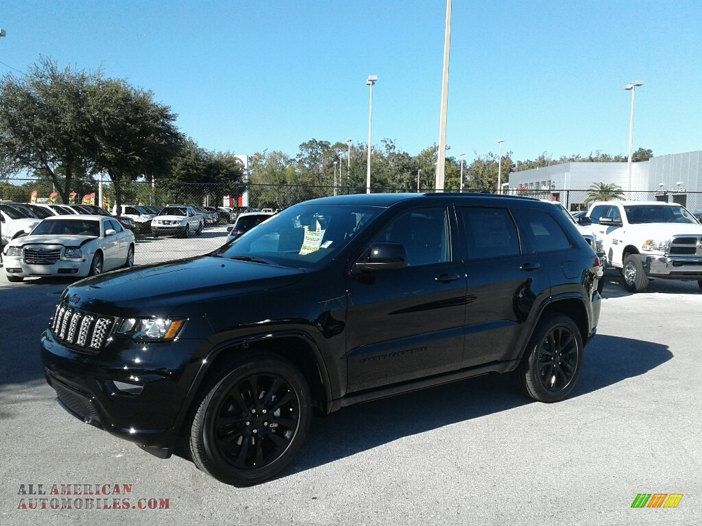 2018 jeep grand cherokee altitude in diamond black crystal pearl 171528 all american. Black Bedroom Furniture Sets. Home Design Ideas