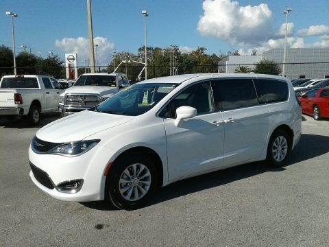 Bright White 2018 Chrysler Pacifica Touring Plus