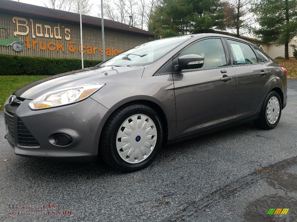 2014 Focus SE Sedan - Sterling Gray / Charcoal Black photo #1
