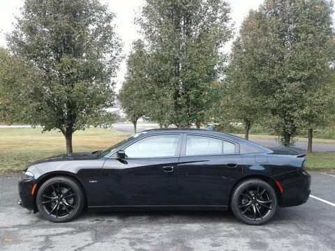 Pitch Black 2016 Dodge Charger R/T