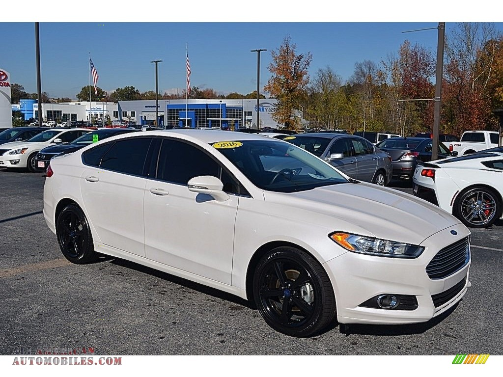 2016 Fusion SE - White Platinum Tri-Coat Metallic / Charcoal Black photo #1