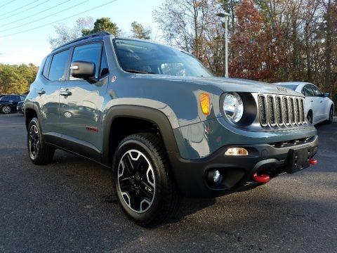 Anvil 2017 Jeep Renegade Trailhawk 4x4