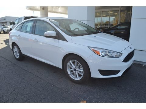 Oxford White 2017 Ford Focus SE Sedan