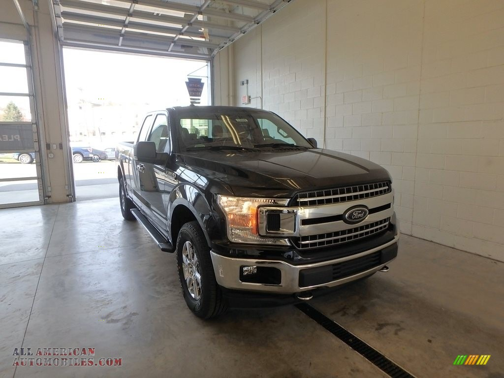 Shadow Black / Earth Gray Ford F150 XLT SuperCab 4x4