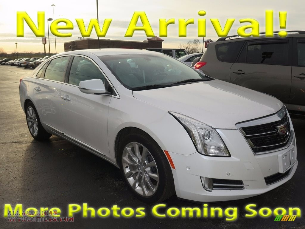 2017 XTS Luxury - Crystal White Tricoat / Shale w/Cocoa Accents photo #1