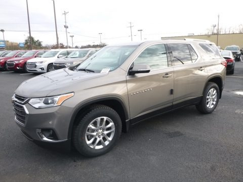 Pepperdust Metallic 2018 Chevrolet Traverse LT AWD