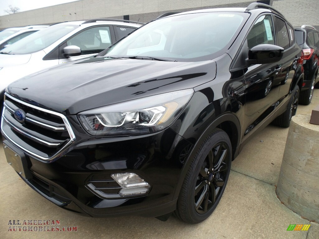 2018 Escape SE 4WD - Shadow Black / Charcoal Black photo #1