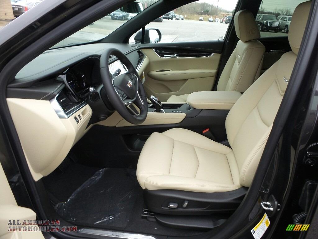 2018 XT5 AWD - Dark Granite Metallic / Sahara Beige photo #3