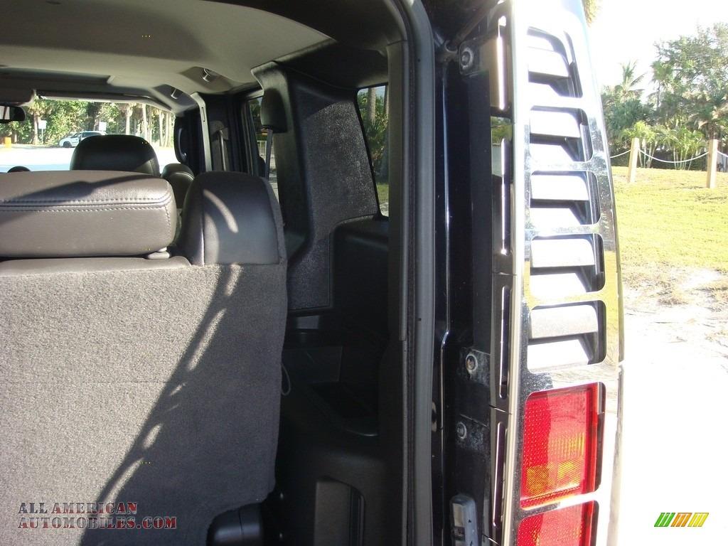 2005 H2 SUV - Black / Ebony Black photo #24