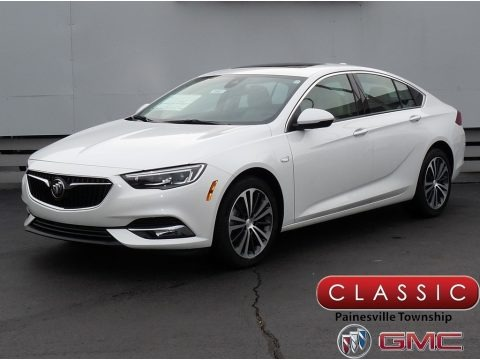 White Frost Tricoat 2018 Buick Regal Sportback Essence