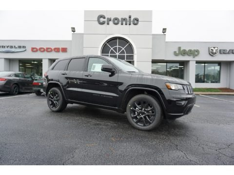 Diamond Black Crystal Pearl 2018 Jeep Grand Cherokee Altitude
