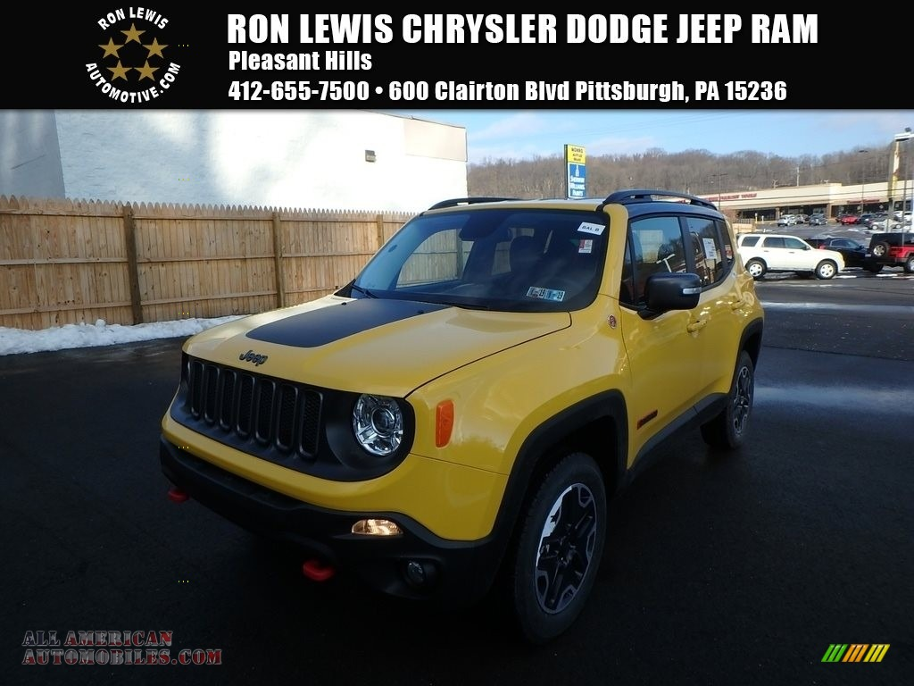 2017 Renegade Trailhawk 4x4 - Solar Yellow / Black photo #1