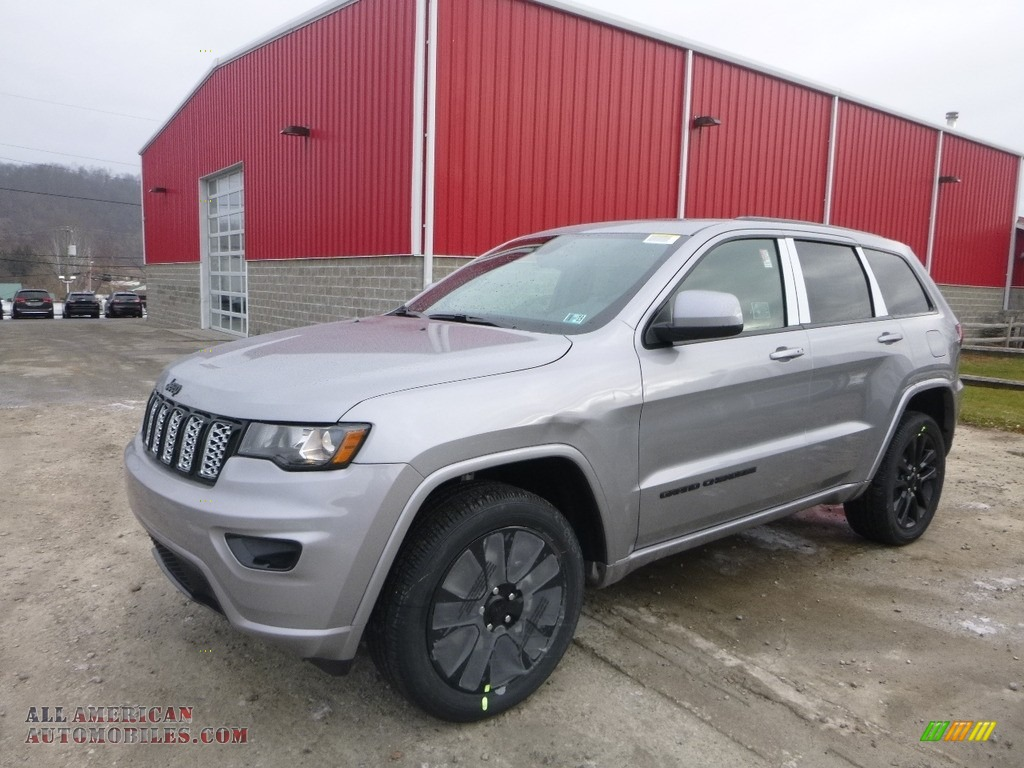 Billet Silver Metallic / Black Jeep Grand Cherokee Laredo 4x4
