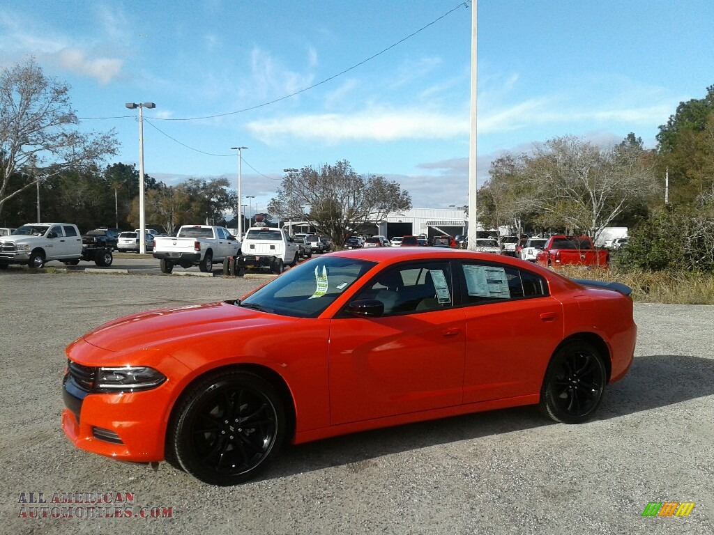 Go Mango / Black Dodge Charger SXT