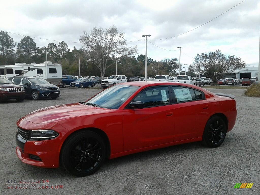 2018 Charger SXT - Torred / Black photo #1