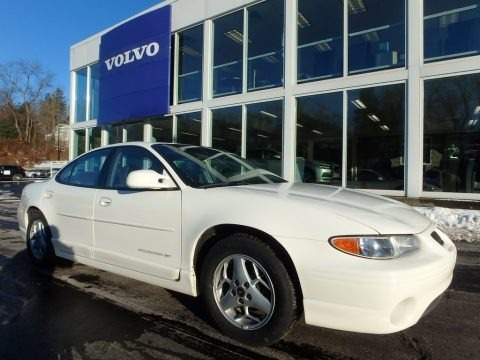 Ivory White 2002 Pontiac Grand Prix GT Sedan