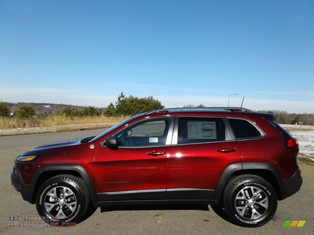 2018 Cherokee Trailhawk 4x4 - Velvet Red Pearl / Black photo #1