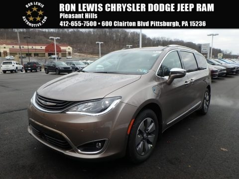 Molten Silver 2018 Chrysler Pacifica Hybrid Limited