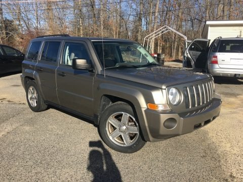 Light Khaki Metallic 2008 Jeep Patriot Sport 4x4