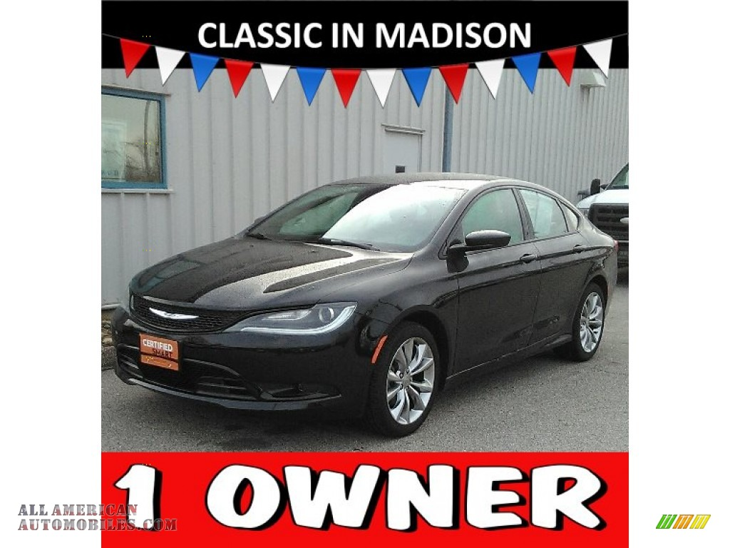 Black / Black Chrysler 200 S