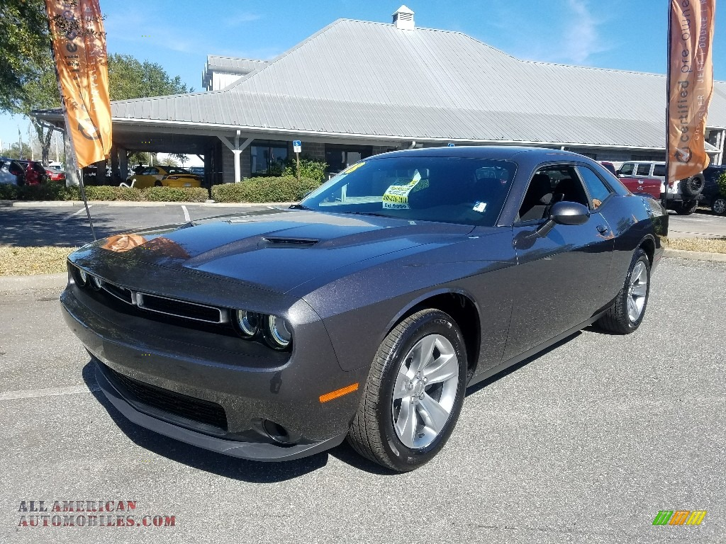 2018 Challenger SXT - Destroyer Gray / Black photo #1