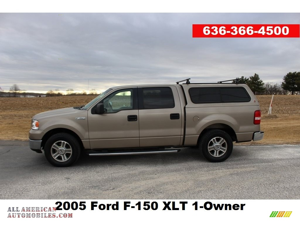 2005 F150 XLT SuperCrew - Arizona Beige Metallic / Tan photo #1