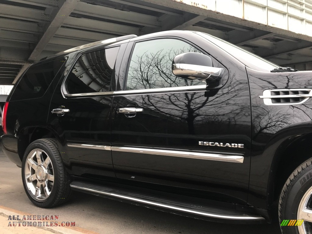 2011 Escalade Luxury AWD - Black Raven / Ebony/Ebony photo #13
