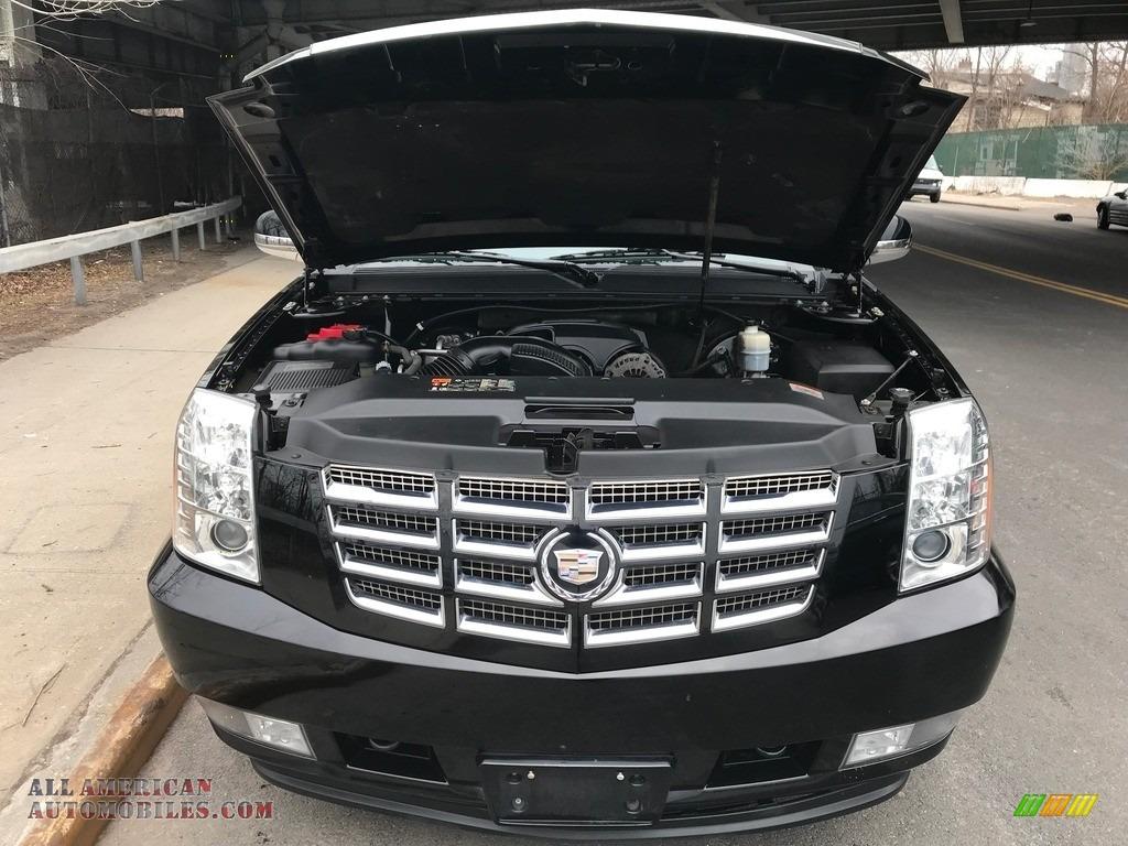 2011 Escalade Luxury AWD - Black Raven / Ebony/Ebony photo #25