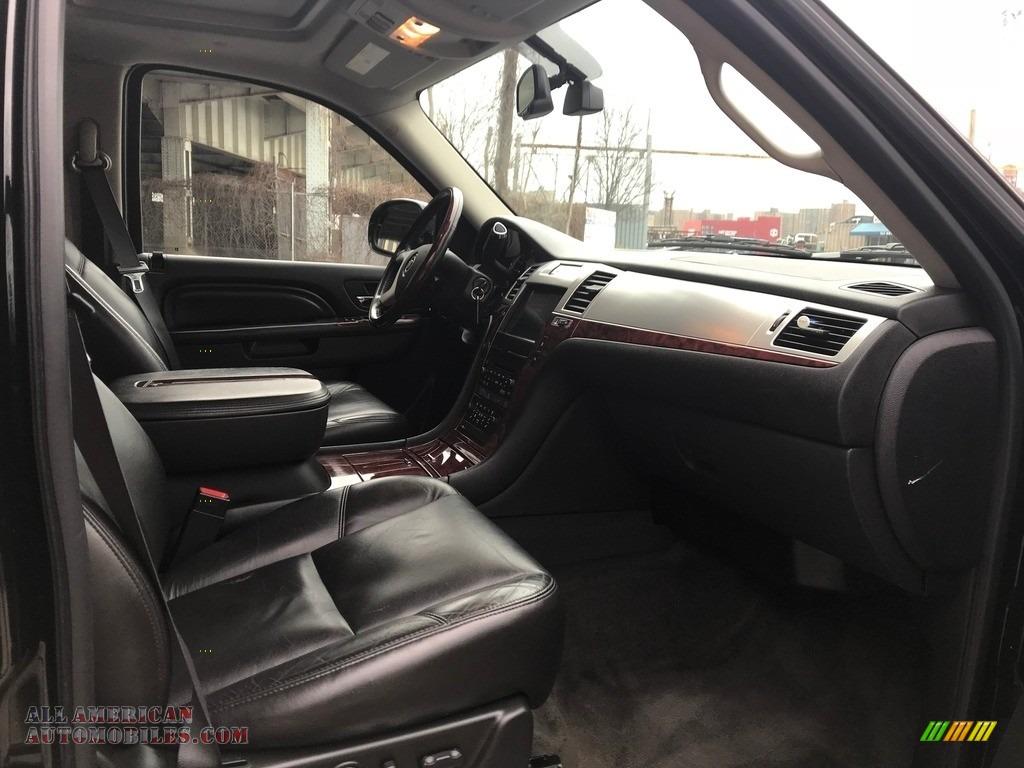 2011 Escalade Luxury AWD - Black Raven / Ebony/Ebony photo #30