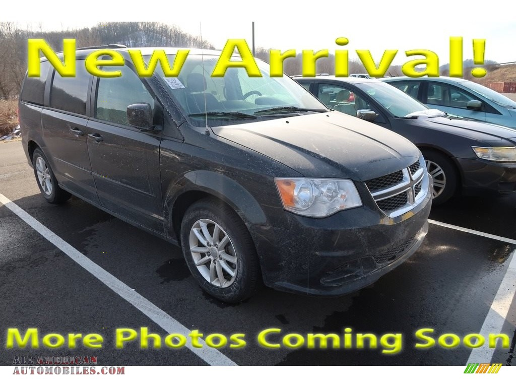 Brilliant Black Crystal Pearl / Black/Light Graystone Dodge Grand Caravan SXT