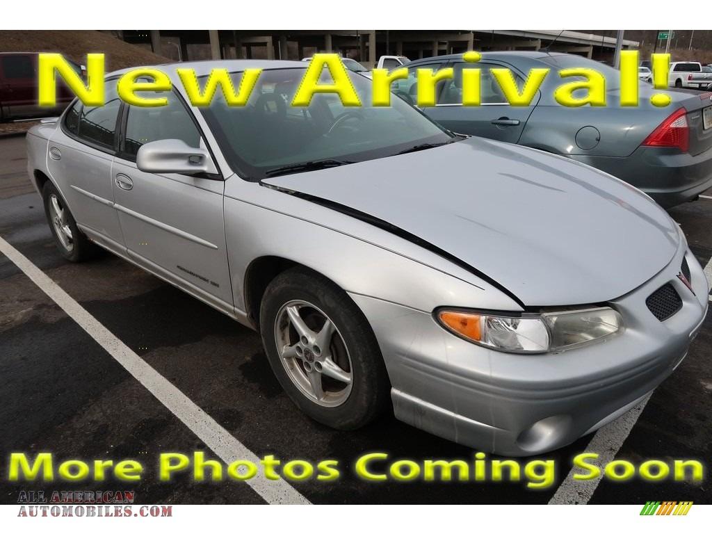 2002 Grand Prix SE Sedan - Galaxy Silver Metallic / Graphite photo #1