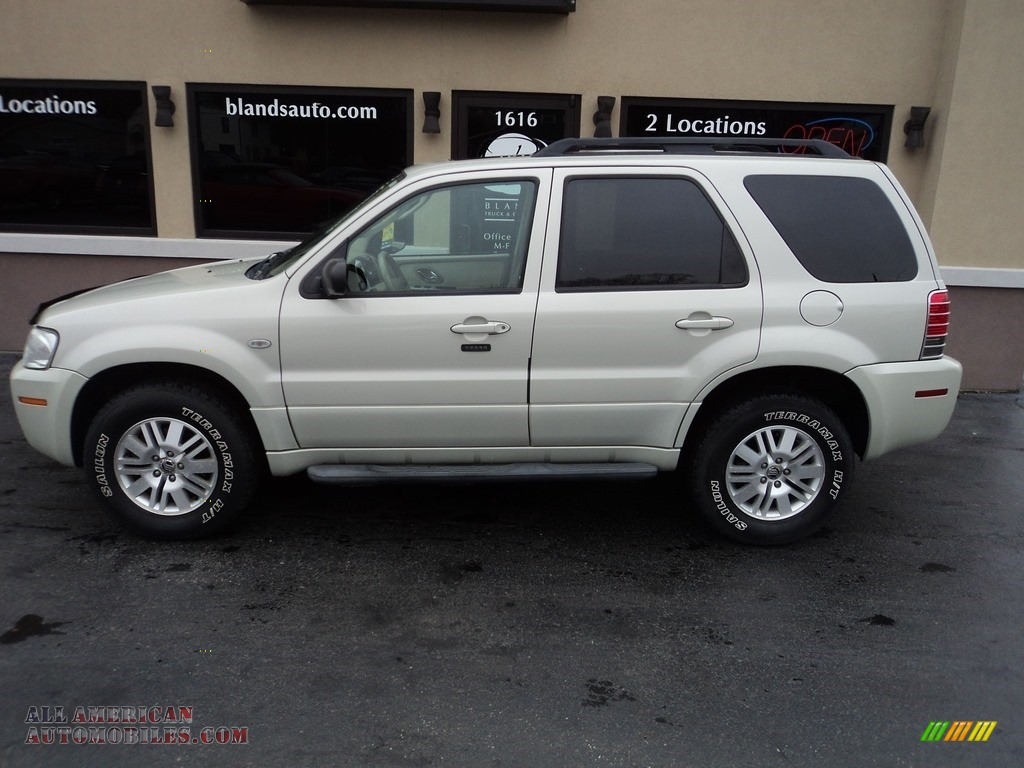 Light Sage Metallic / Black/Light Parchment Mercury Mariner Premier 4WD