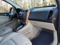 Saturn VUE V6 AWD Black Onyx photo #9