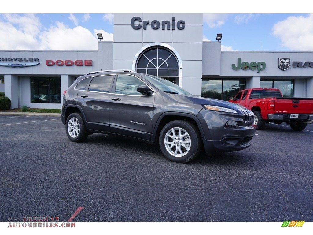 Granite Crystal Metallic / Black Jeep Cherokee Latitude Plus