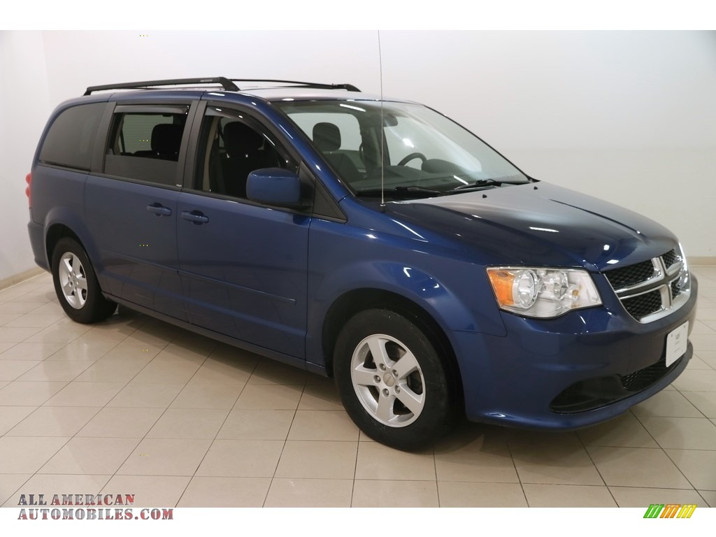 2011 Grand Caravan Mainstreet - Deep Water Blue Pearl / Black/Light Graystone photo #1