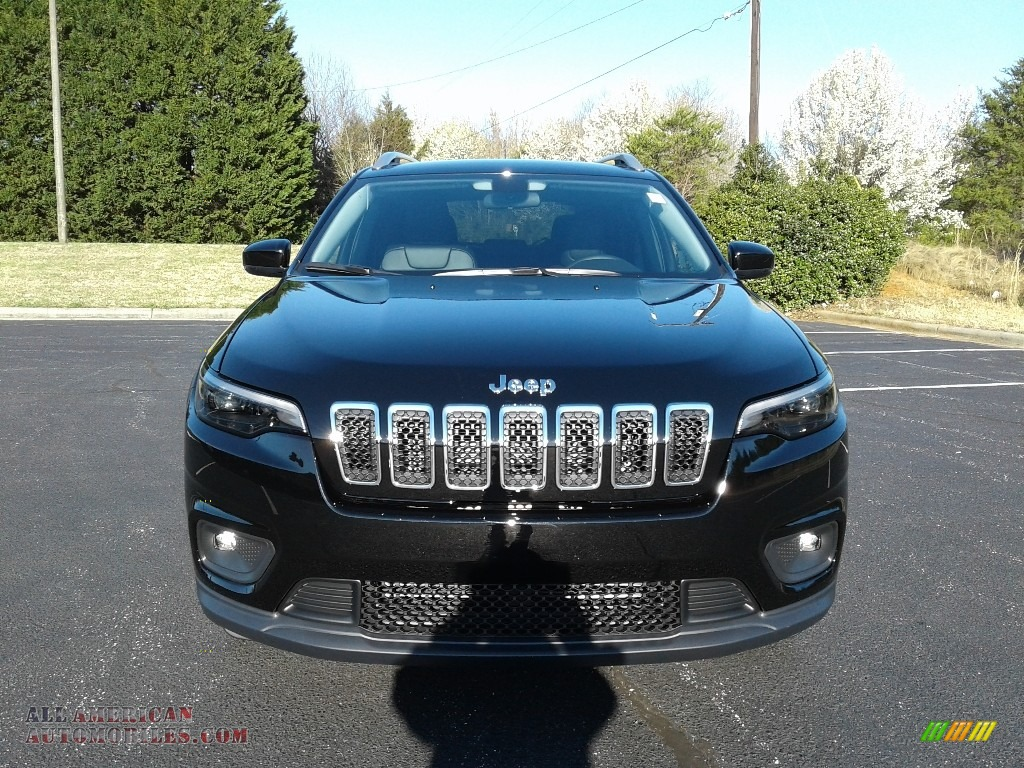 2019 Cherokee Latitude Plus - Diamond Black Crystal Pearl / Black photo #3