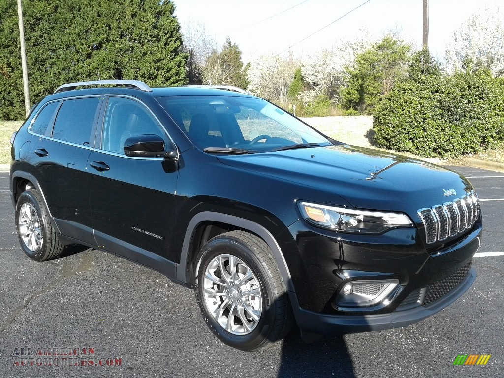 2019 Cherokee Latitude Plus - Diamond Black Crystal Pearl / Black photo #4