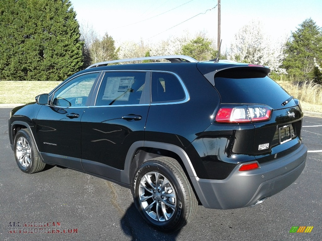 2019 Cherokee Latitude Plus - Diamond Black Crystal Pearl / Black photo #8