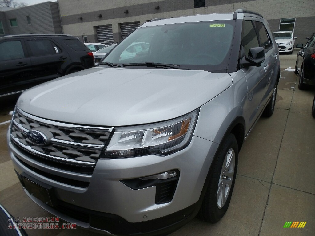2018 Explorer XLT 4WD - Ingot Silver / Ebony Black photo #1