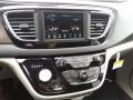 Chrysler Pacifica Touring L Brilliant Black Crystal Pearl photo #12