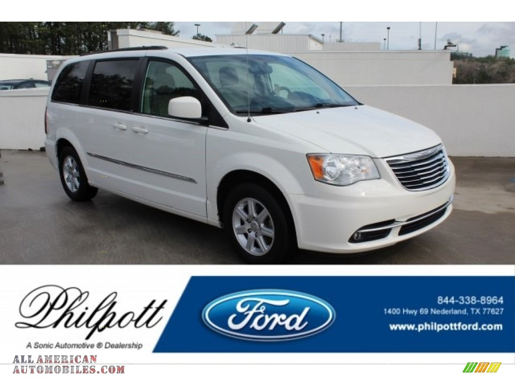 Stone White / Black/Light Graystone Chrysler Town & Country Touring