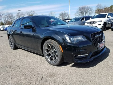 Gloss Black 2018 Chrysler 300 S