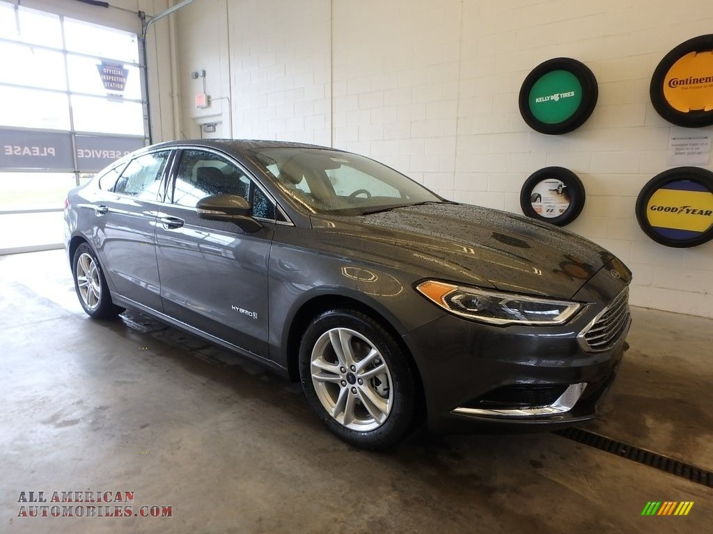 2018 Fusion Hybrid SE - Magnetic / Ebony photo #1