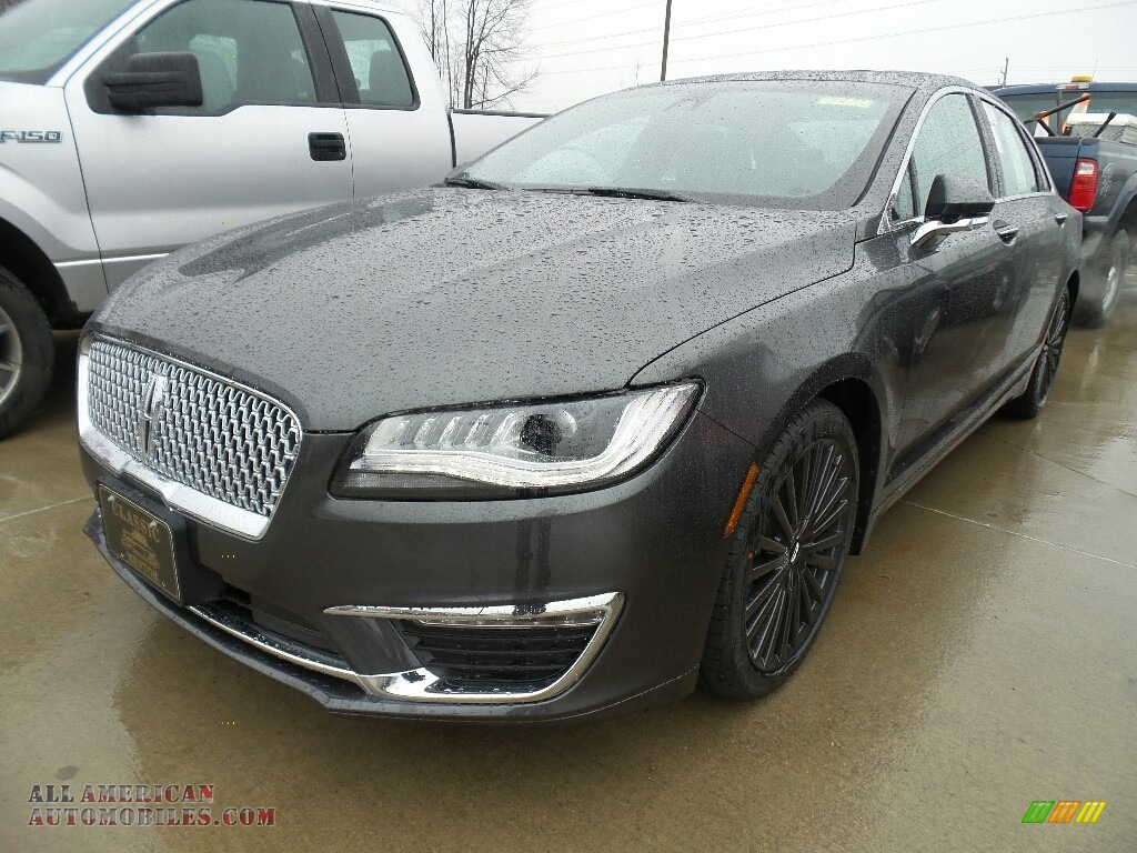 Magnetic Gray Metallic / Ebony Lincoln MKZ Reserve