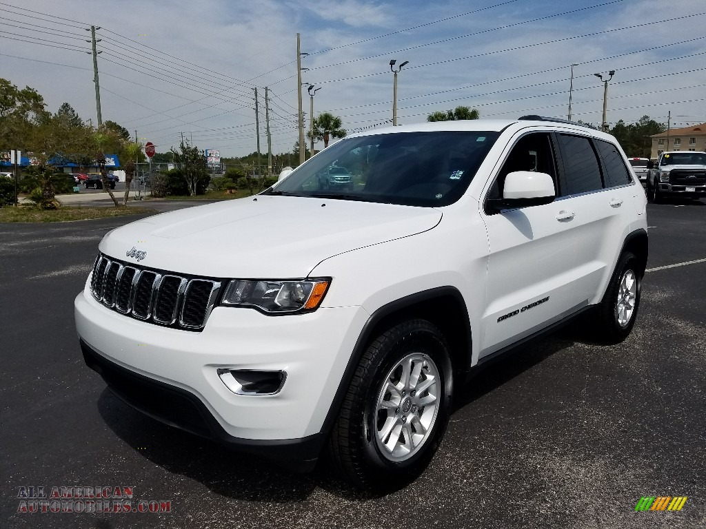 Bright White / Black Jeep Grand Cherokee Laredo